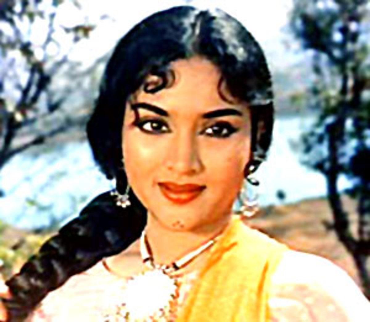 Vyjayanthimala; the Beautiful Actress of Bollywood During
