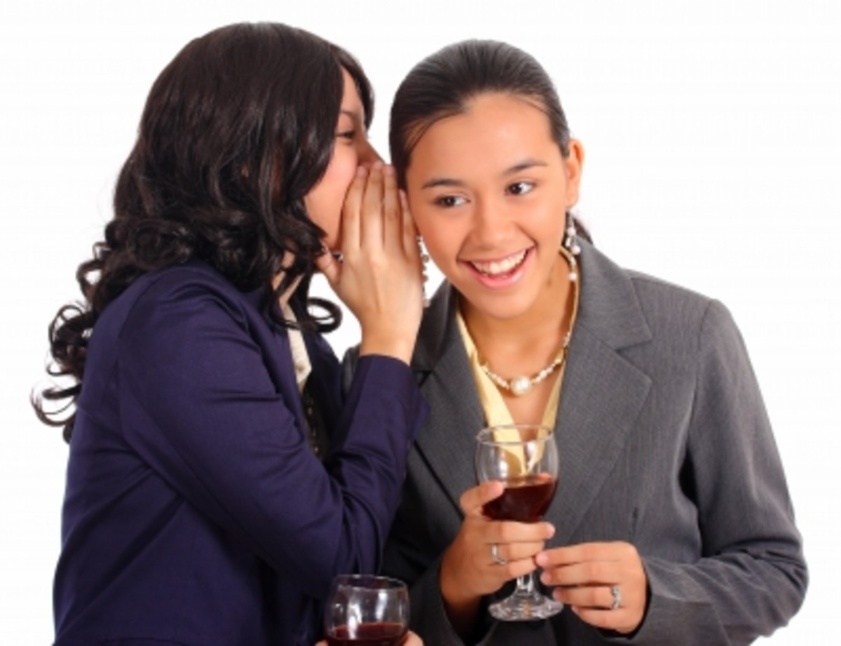 Top 5 Common Juicy Office Gossip Topics in the Workplace