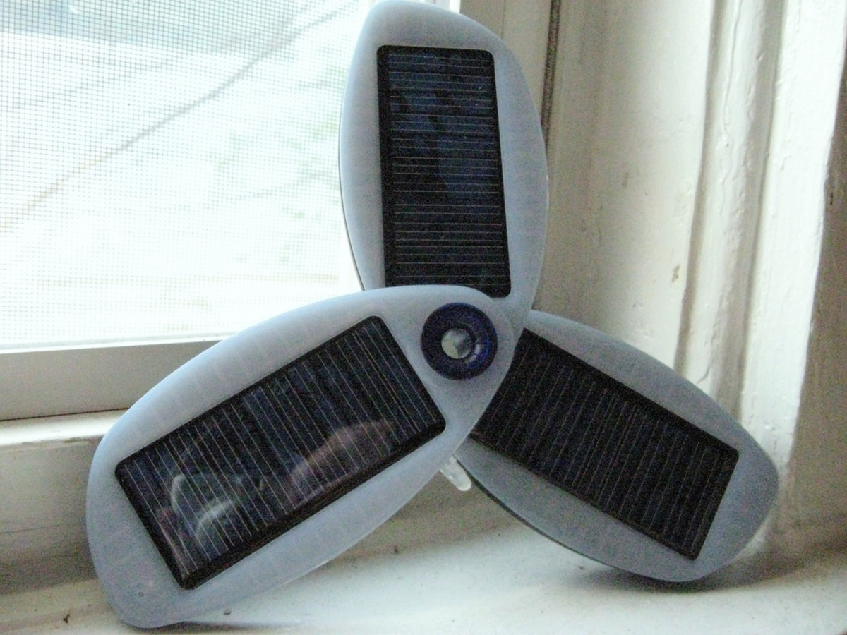 Solio Solar Cell Phone Charger