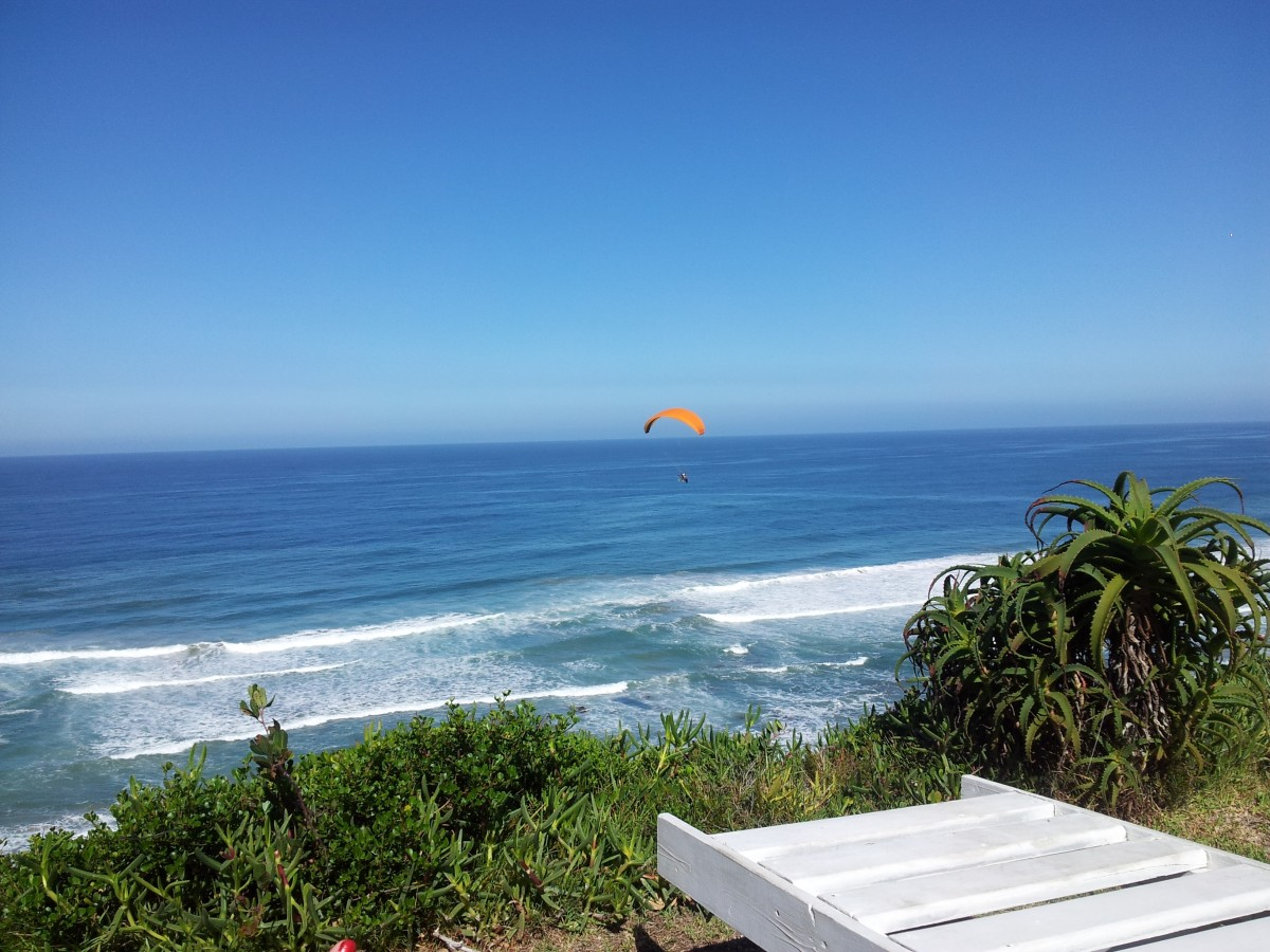 Watching the sea and a para-glider in Wilderness