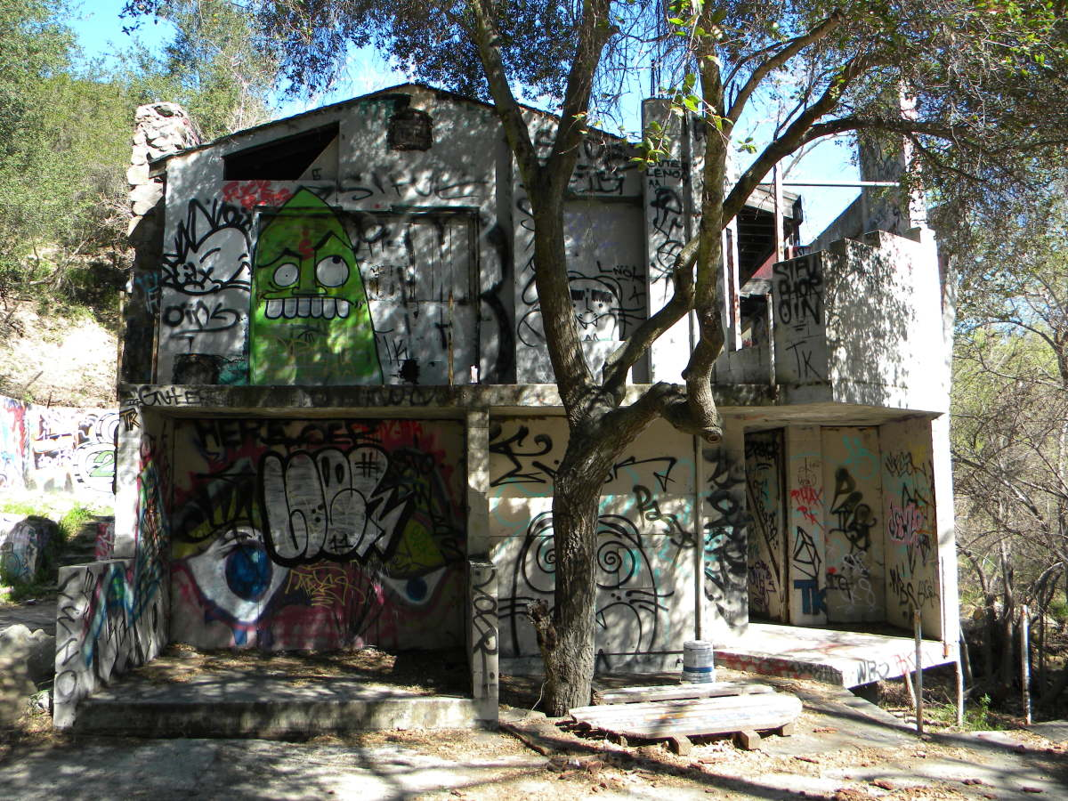 The Mysterious Abandoned House In Topanga Canyon