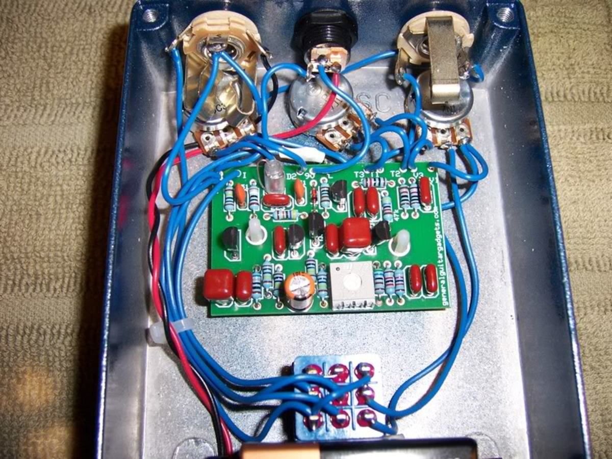 DIY Distortion Pedal - The BSIAB (Brown Sound In A Box) - The Best Stompbox Projects (Kit, Project PCB & Schematic)
