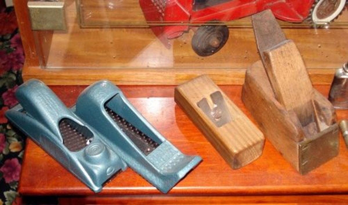 A group of tiny hand planes