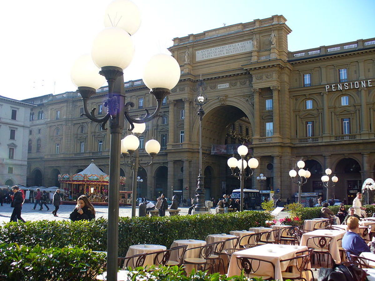 Piazza della Repubblica with cafe in Florence, Italy.