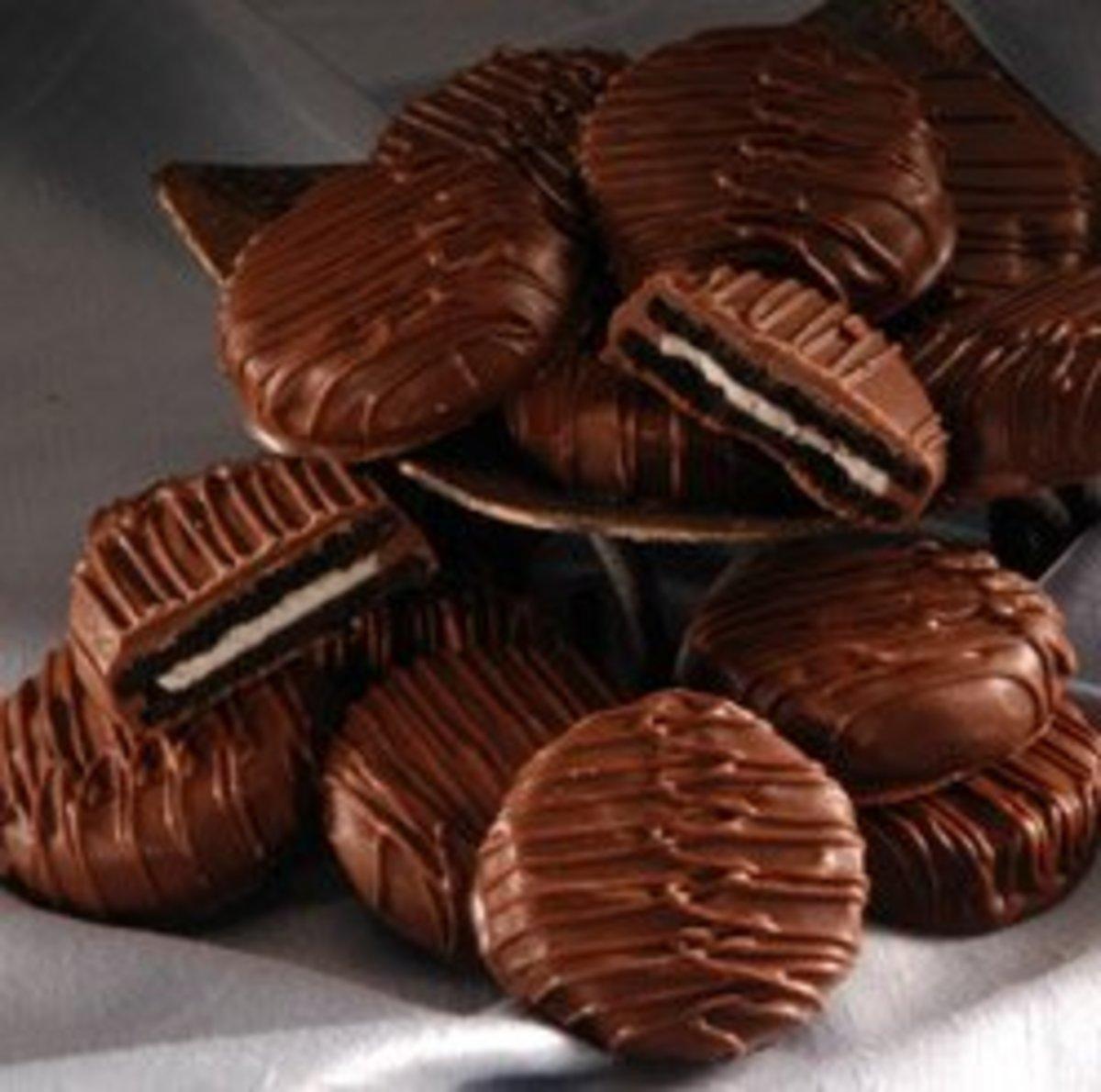 Chocolate Covered Oreos: Recipe and Fantastic Holiday Ideas