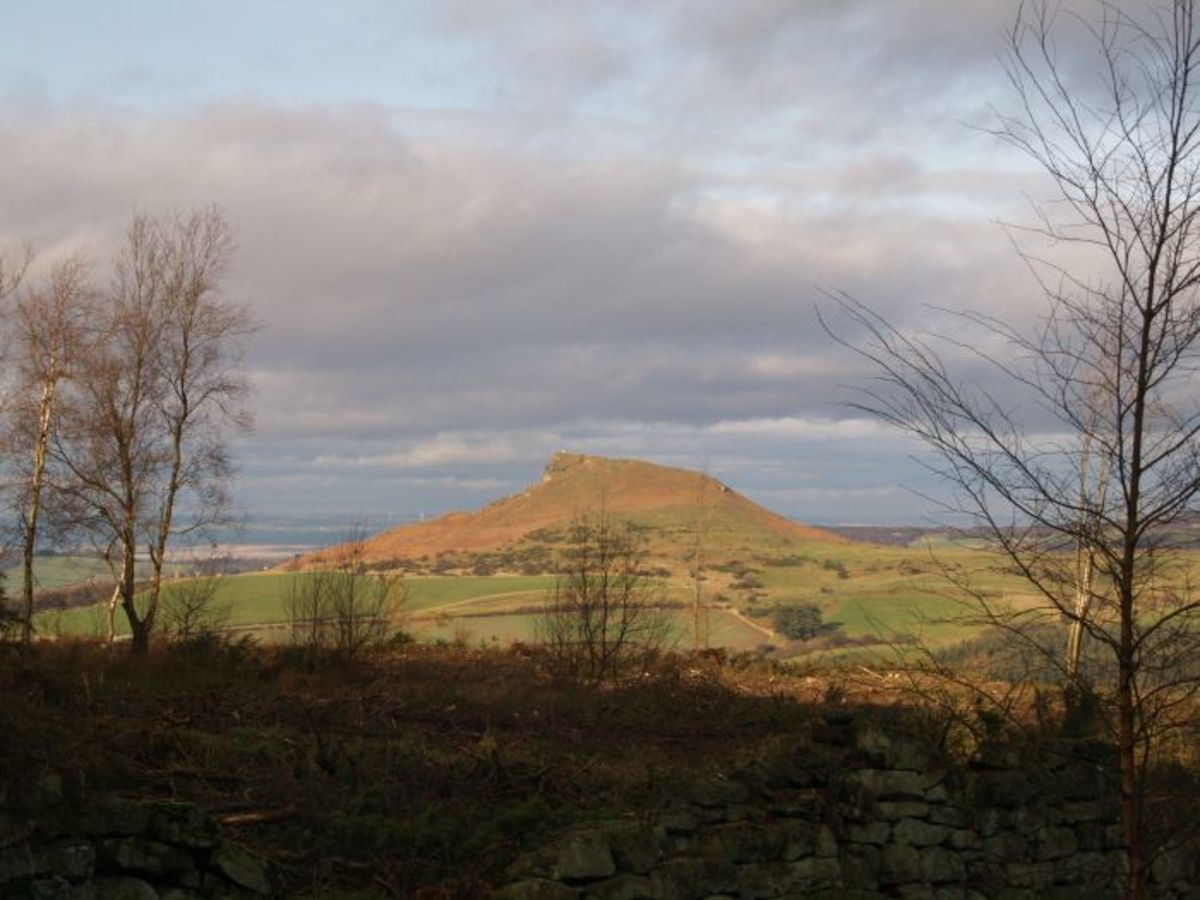 Roseberry Topping from Cockshaw Hill - along the way from Kildale to Easby Moor
