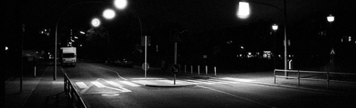 He use Canon EOS 500N and Ilford Delta 3200 film for this night photo. It was taken without tripod (handheld camera) but with high ISO 3200.