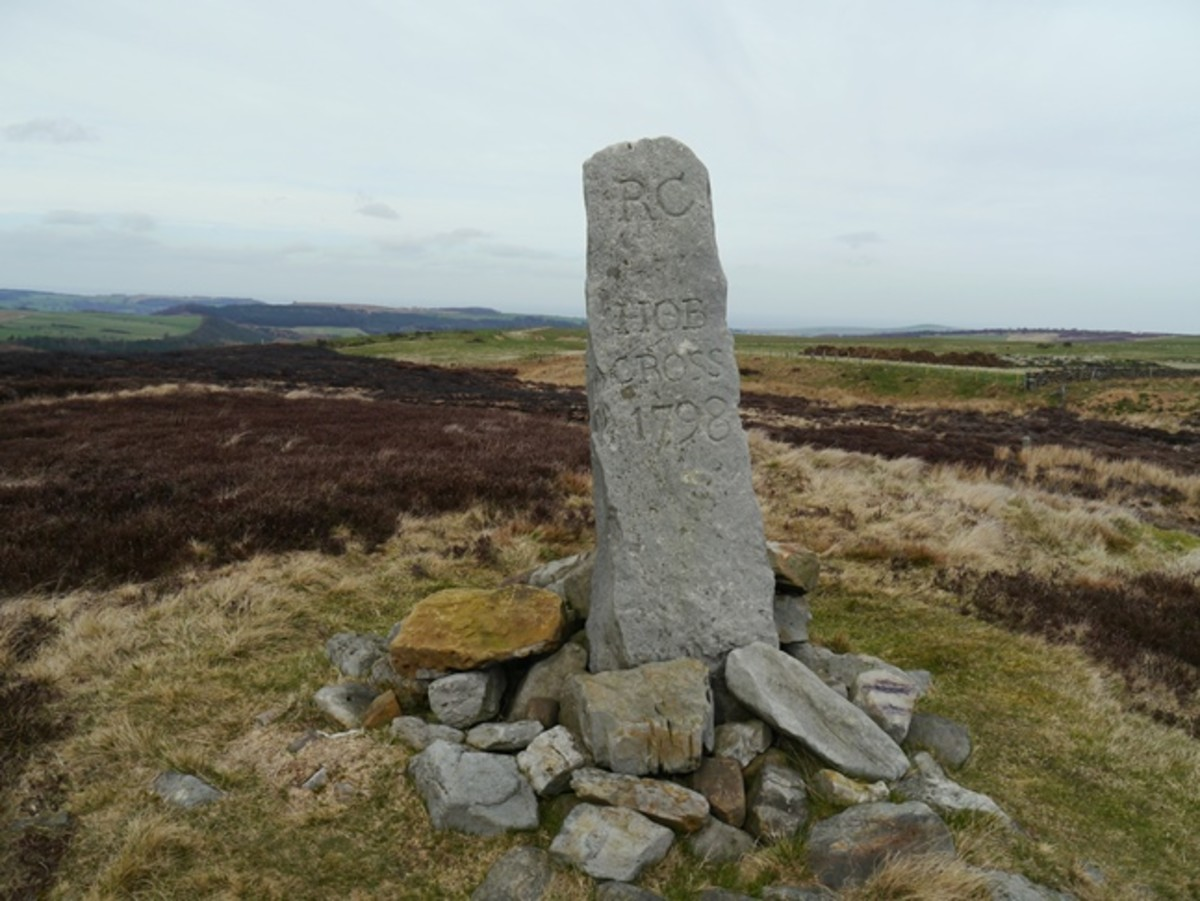 Travel North - 20: Commmondale Circuit, Walk the Dale, Climb the Moor to Hob Cross by the Quakers' Causeway