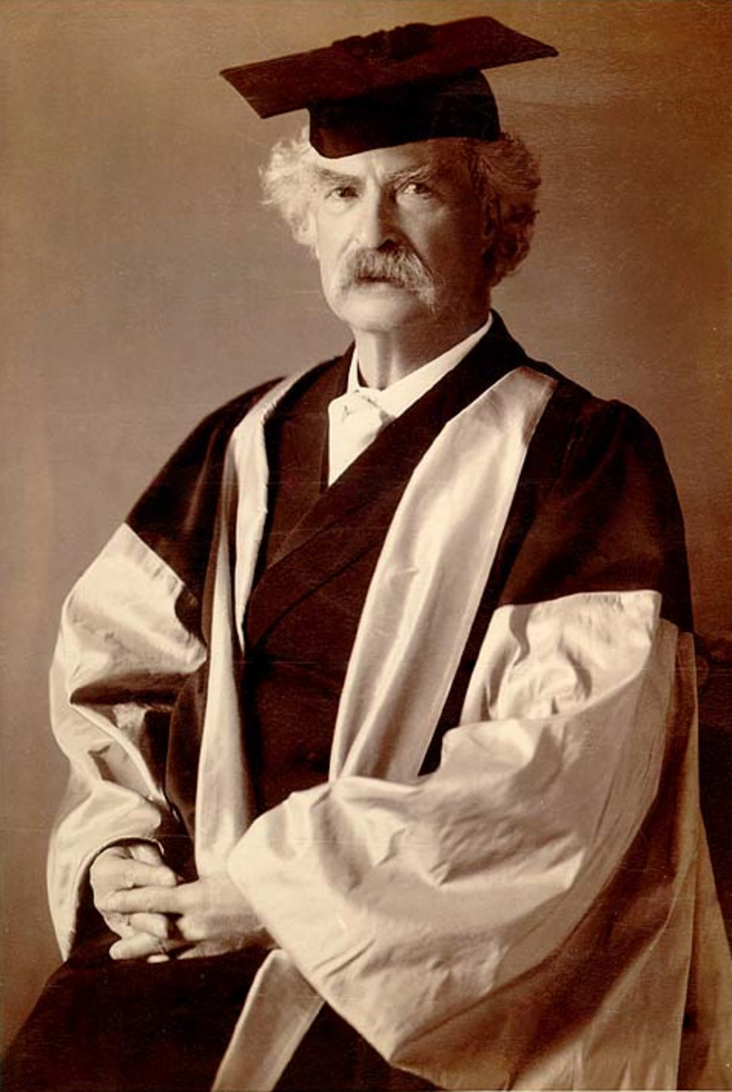 Mark Twain never went to college, except to pick up a honorary degree or two. The picture above shows Mr. Twain as he is about to receive a honorary degree from Oxford in England.