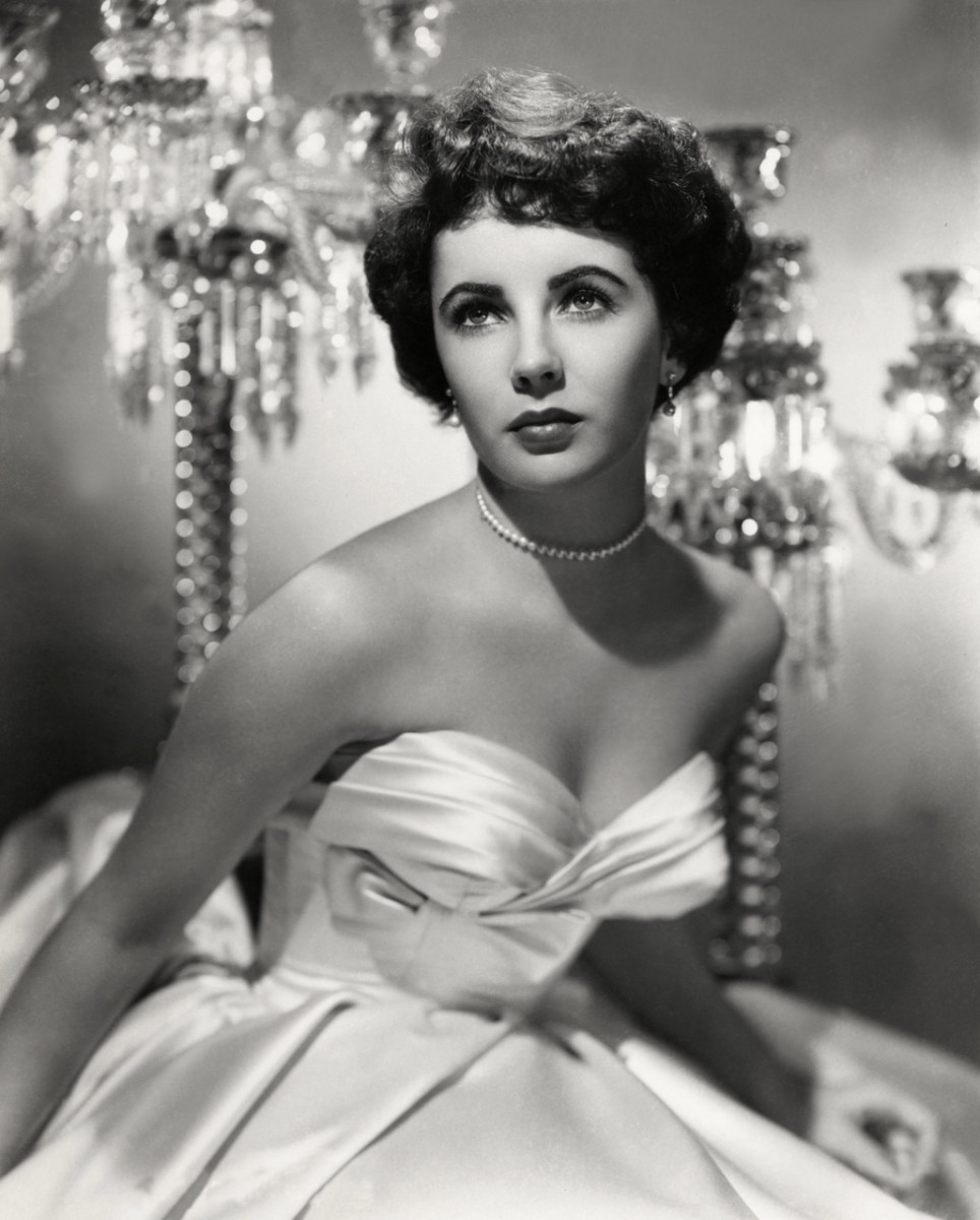 My favorite hollywood stars introduced to me vintage looks, Elizabeth Taylor.