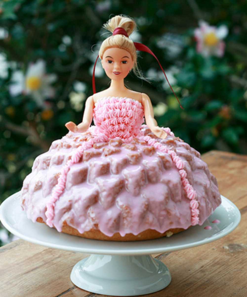 dolls-on-cakes