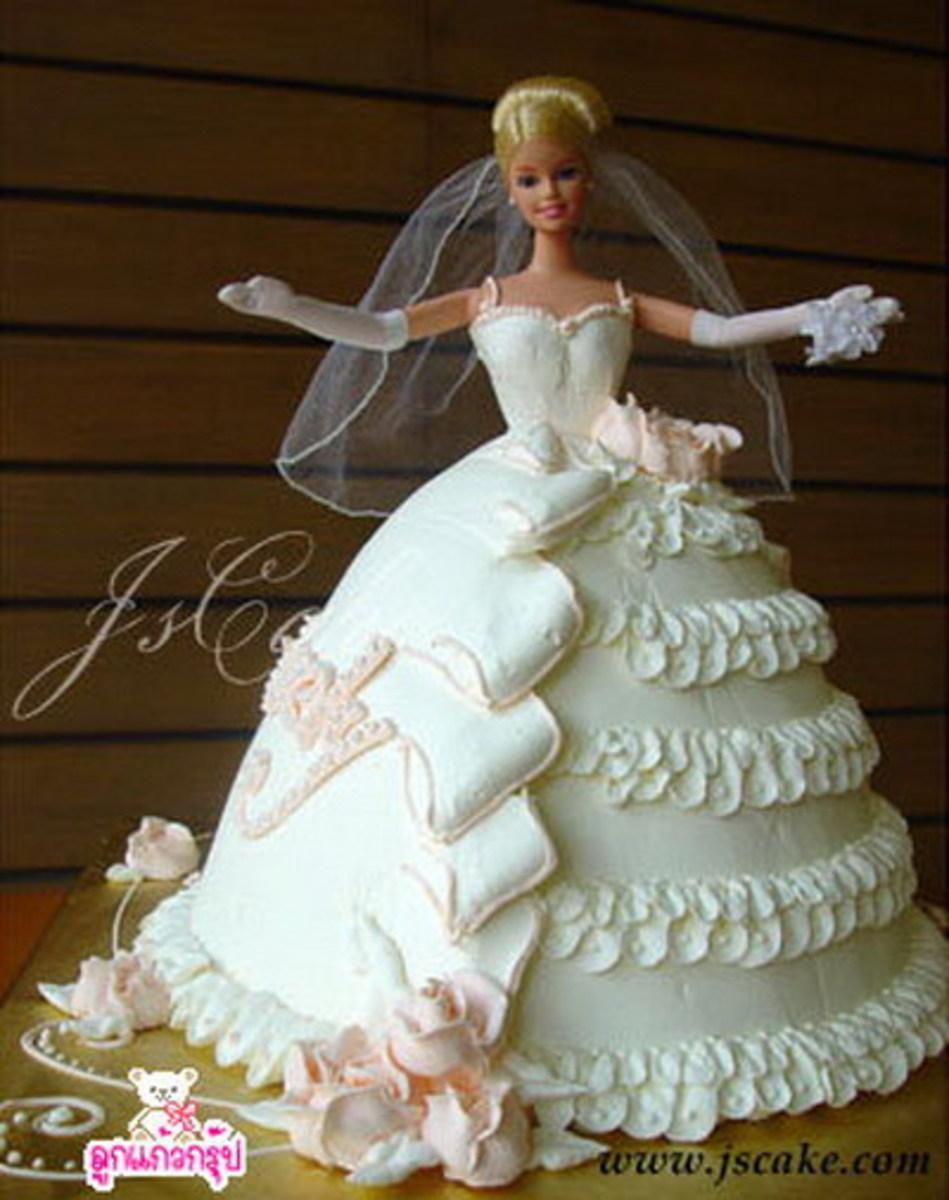 Dolls in Cakes: Restore and Repurpose Dolls