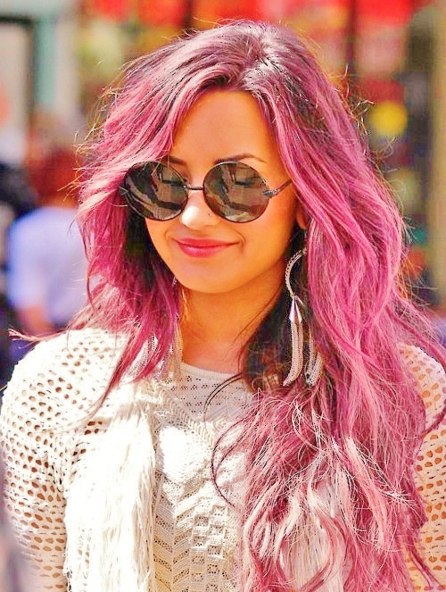 Demi Lovato with Long, Wavy Hair in a Pink Color