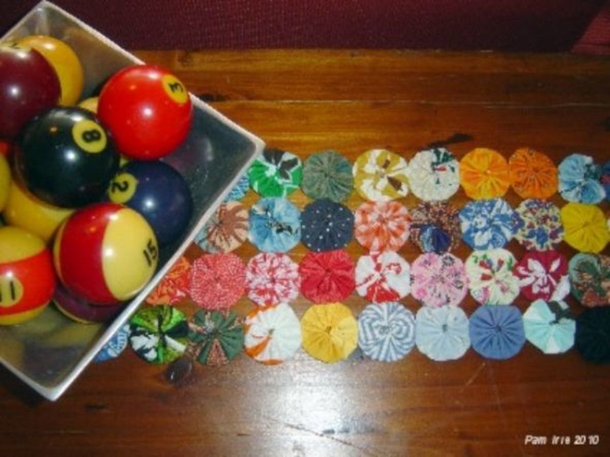 Sewing Projects - Fabric YoYo Table Runner