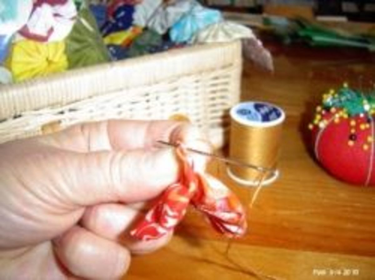 Joining Fabric YoYos Hand Sewing