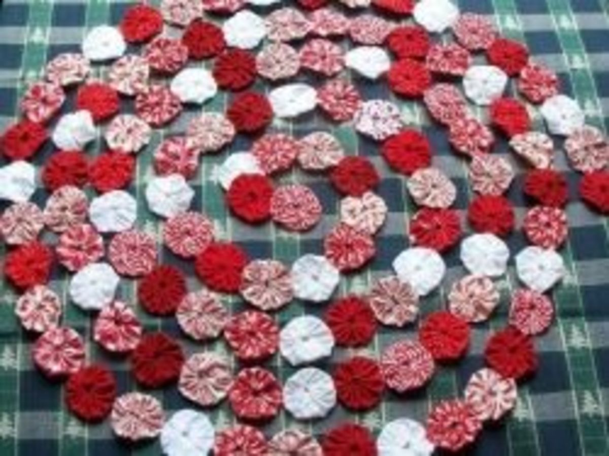 Fabric YoYo Christmas Garland