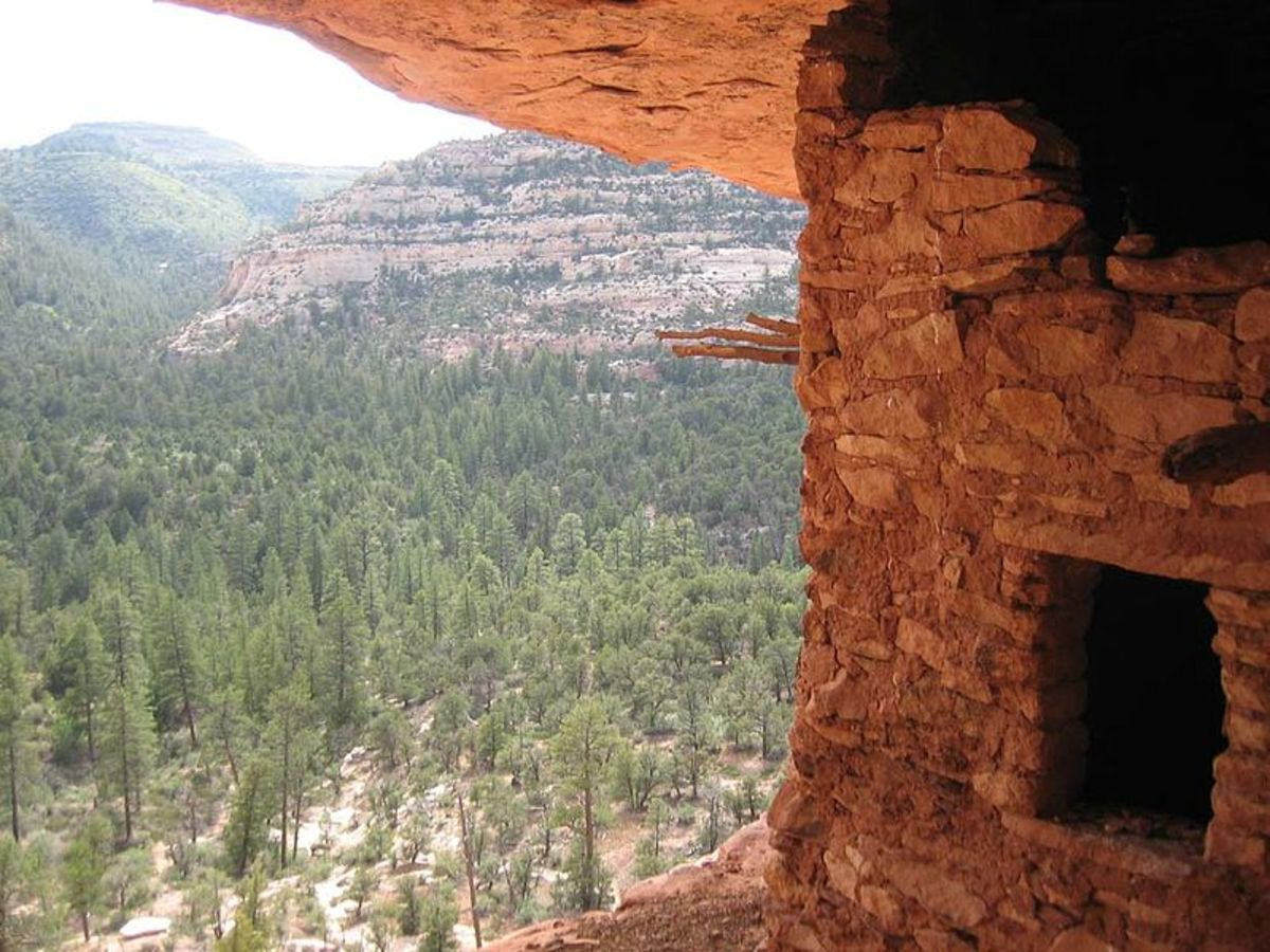 Could you imagine living somewhere as beautiful as an ancient Anasazi/Pueblo village? Good luck finding a Food Lion!