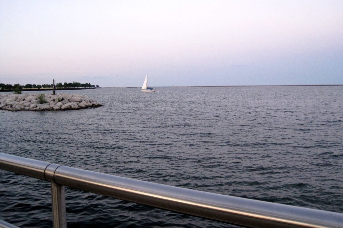 Enjoy the Milwaukee lakefront at Discovery World while taking in a movie.