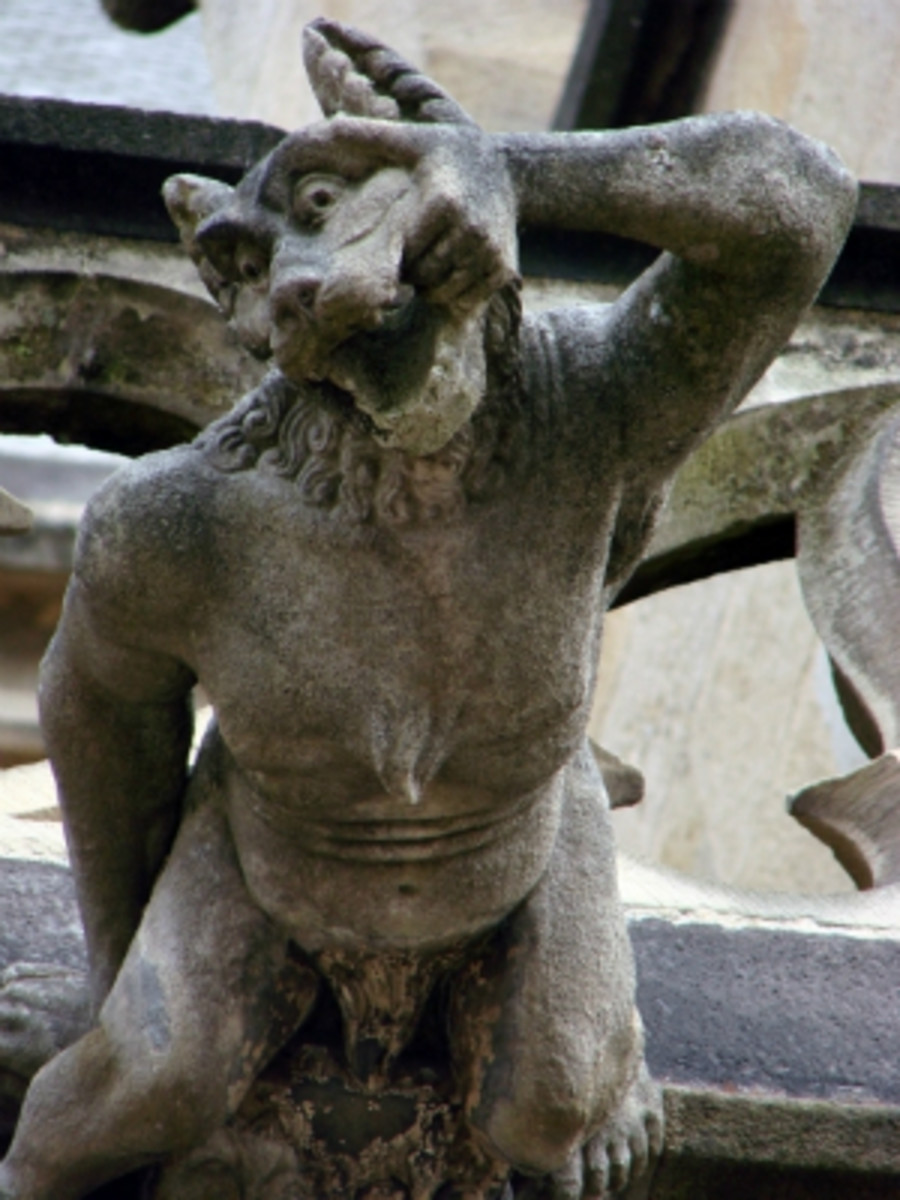 A were-goyle at Notre Dame. I don't know about you, but I think this thing is much creepier than Lon Chaney, Jr.!