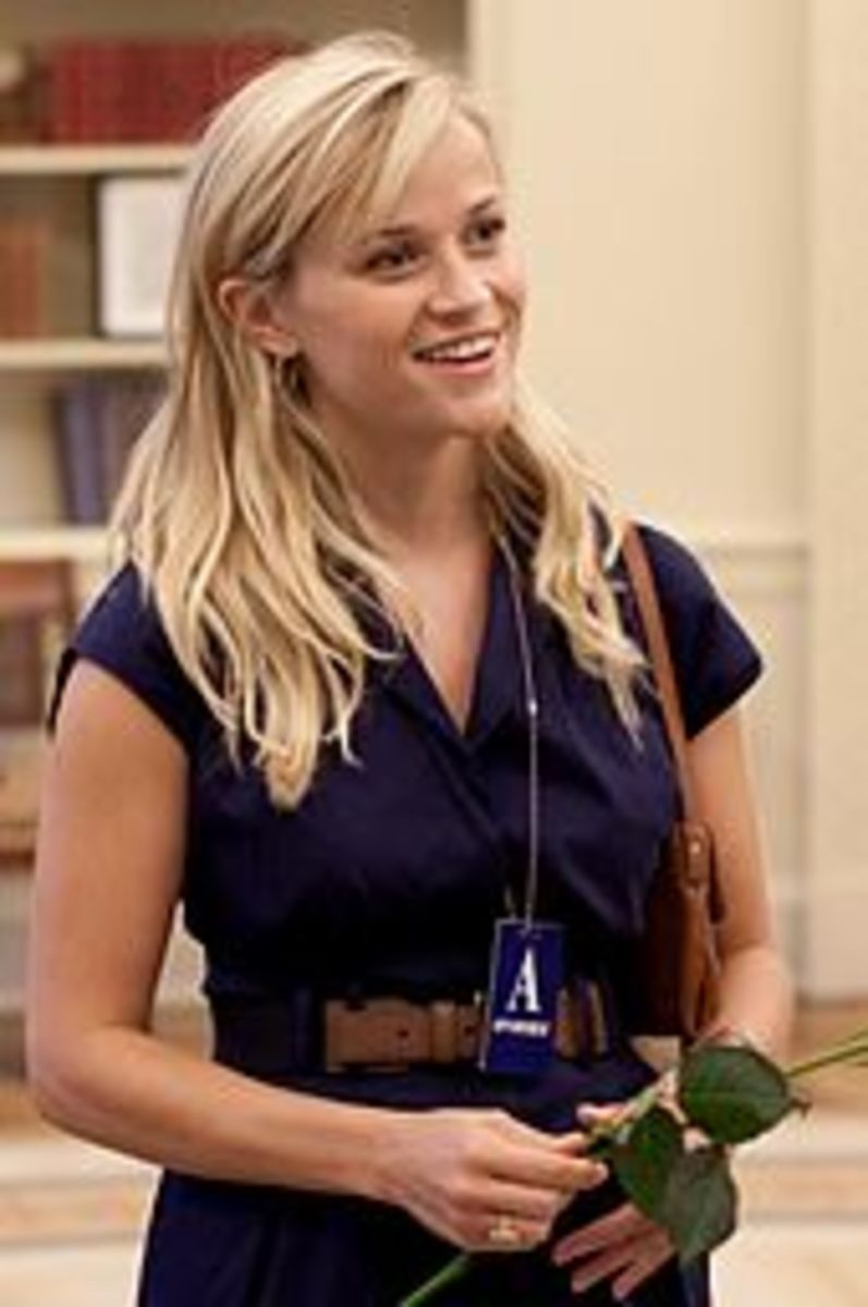 Reese Witherspoon shops at Pottery Barn