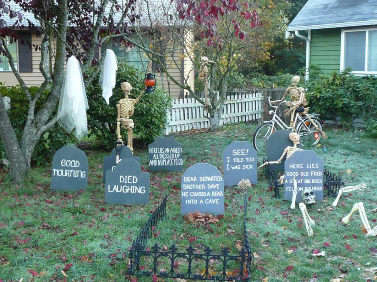 how to make a halloween graveyard hubpages. Black Bedroom Furniture Sets. Home Design Ideas
