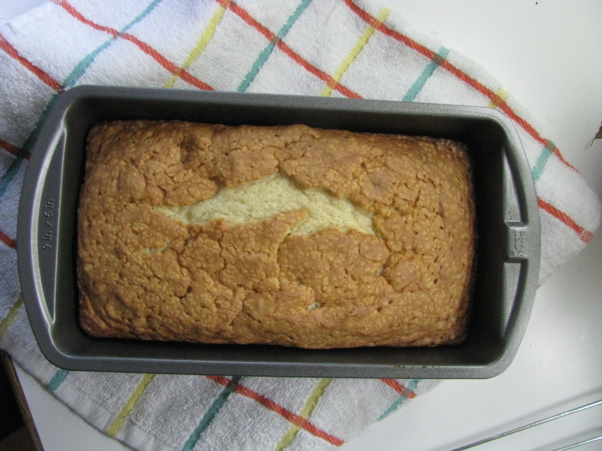 pound cake in a loaf pan