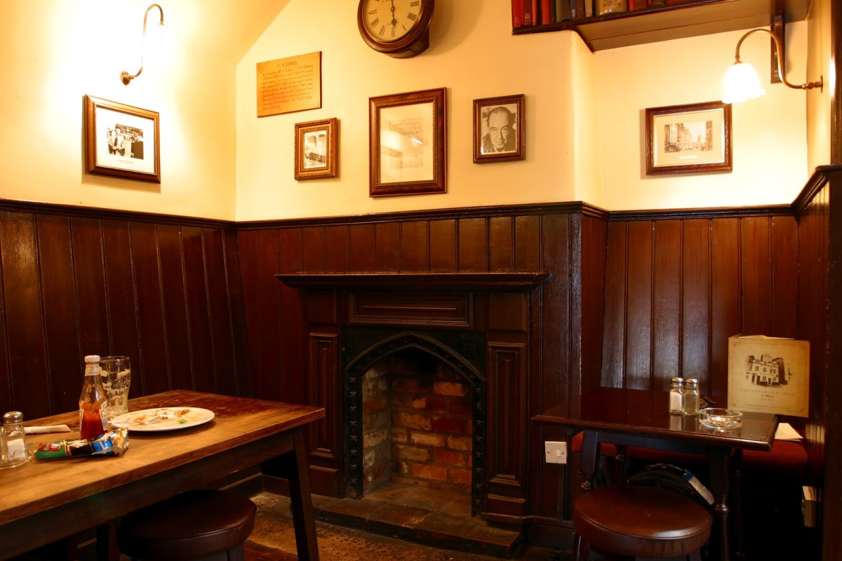 THE INKLINGS FAVORITE CORNER IN THE EAGLE AND CHILD PUB
