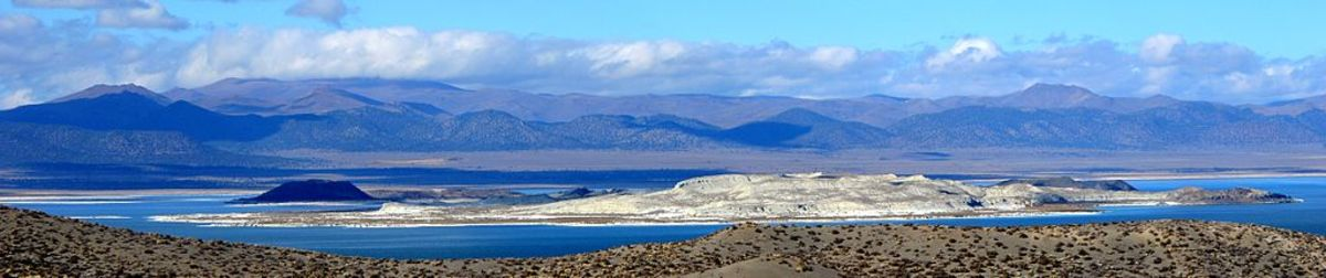 Mono Lake as seen from California State Route 120 (Mono Mills Road) on south