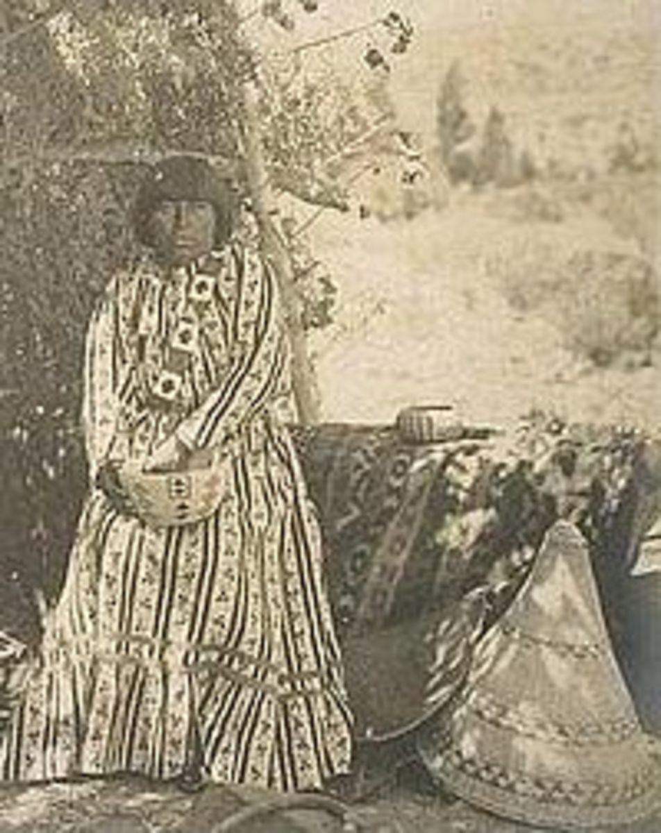Nellie Charlie,  early 1900s, Mono Lake Paiute - Kucadikadi.