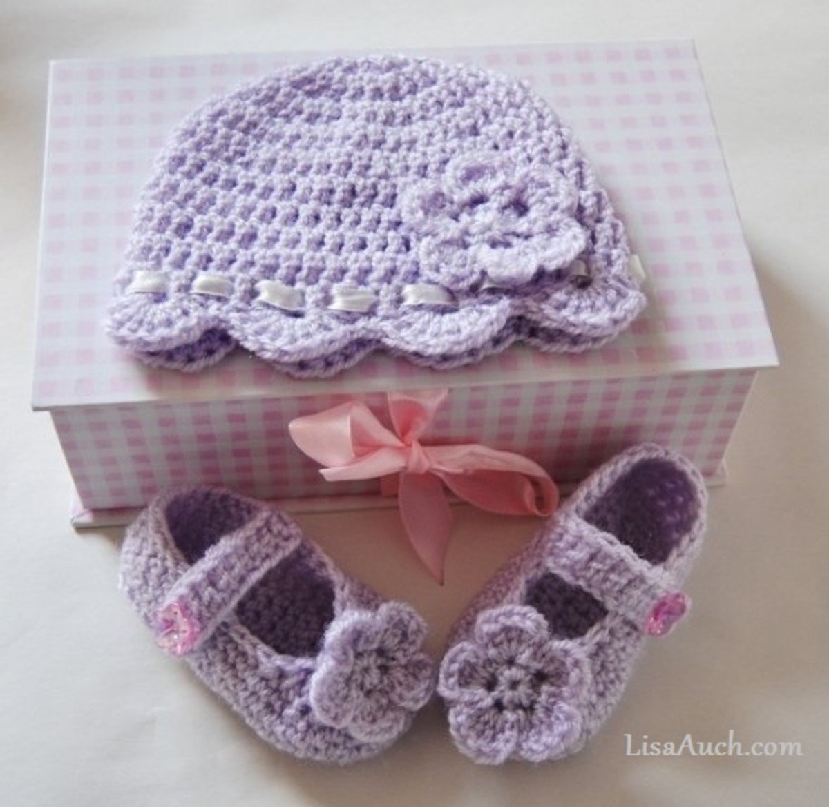 Learn How to Crochet and start making beautiful gifts today