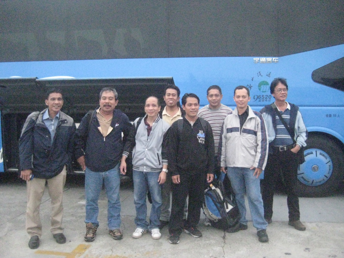 Conduction  team @ Shanghai Pudung Intl Aiport's exit-ready take the bus ride