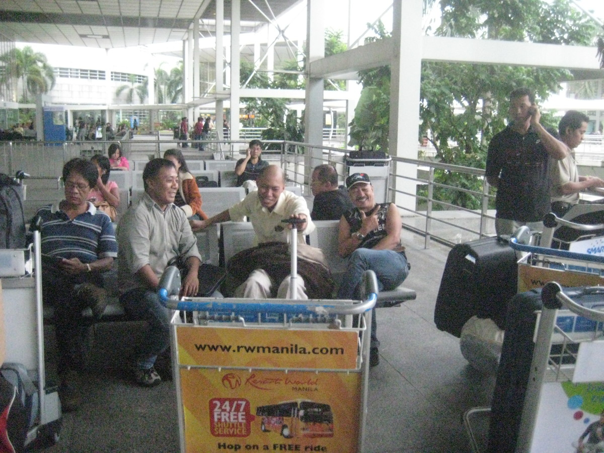October 25, 2012 @ NAIA Terminal 2 (All Photos by Travel Man aka Ireno Alcala)