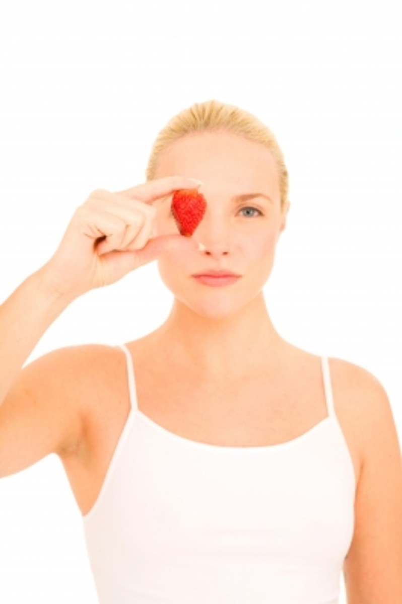 homemade facials using strawberries have many benefits.