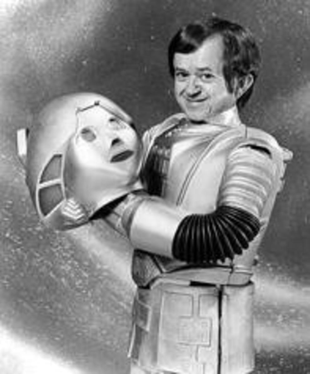 Felix Silla as Twiki