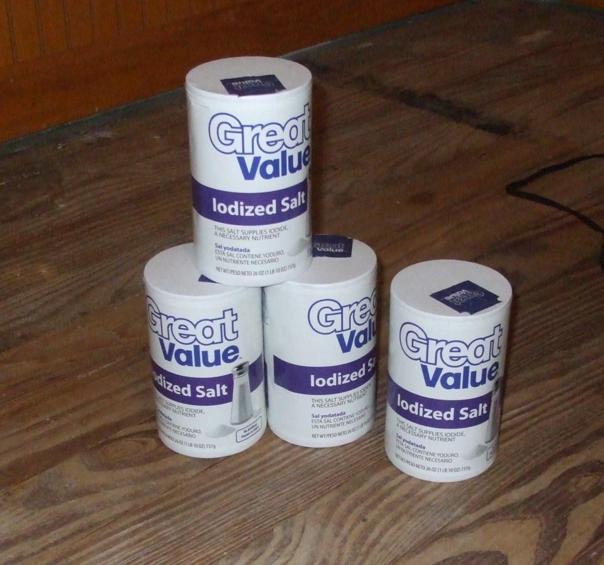 Stack of bargain table salt.