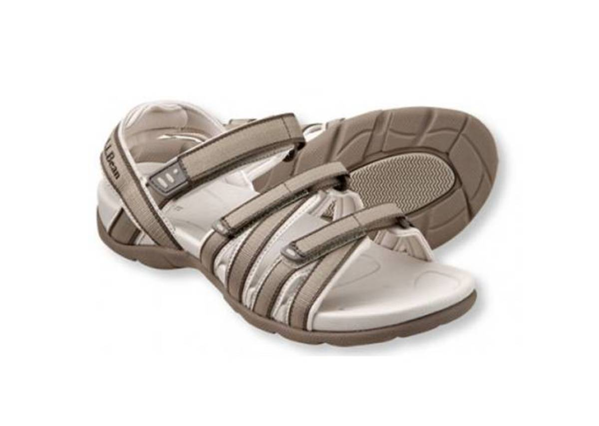 comfortable lightweight sandals with adjustable straps