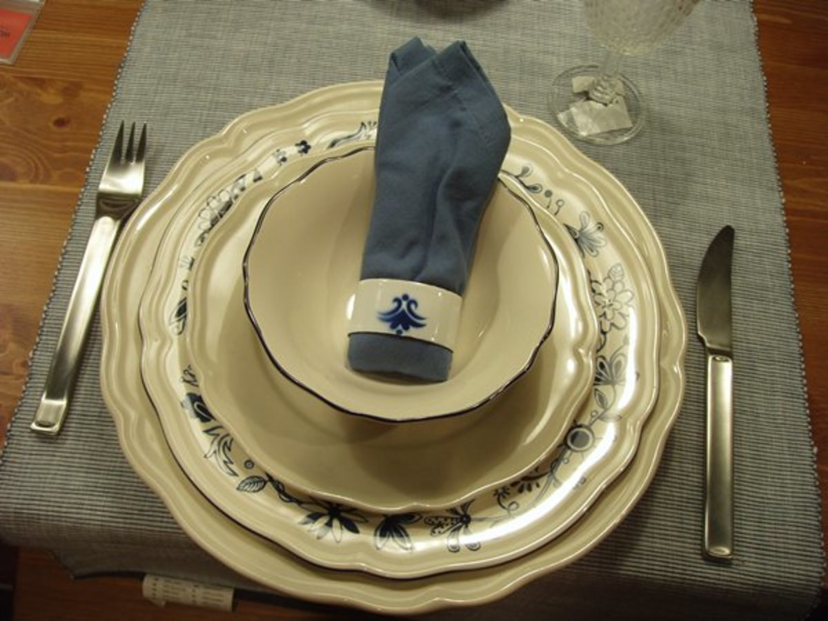 Coordinate patterned and plain dinnerware to create a different look