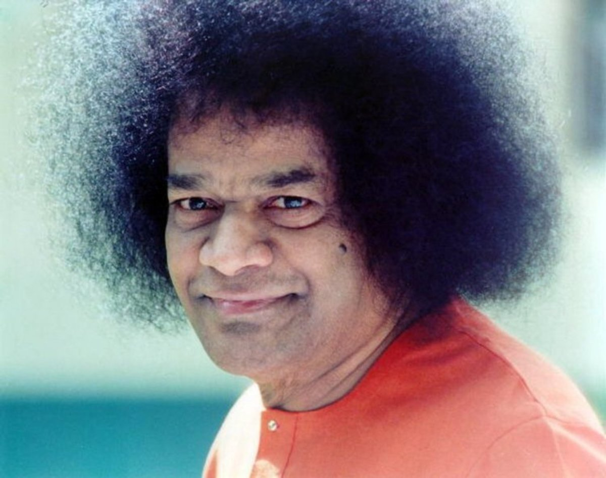 Miracles of vibhuti manifestations from Bhagawan Sri Sathya Sai Baba