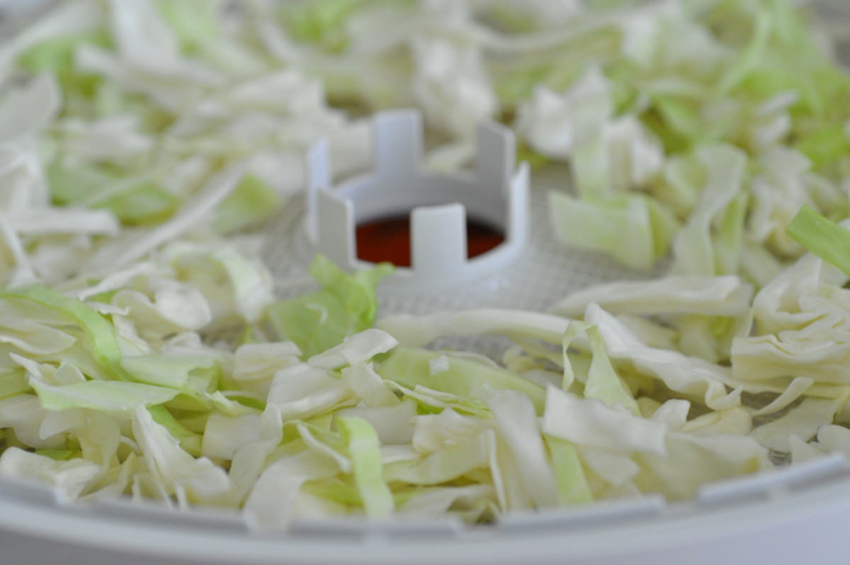 Cabbage slices before drying Image: © Siu Ling Hui