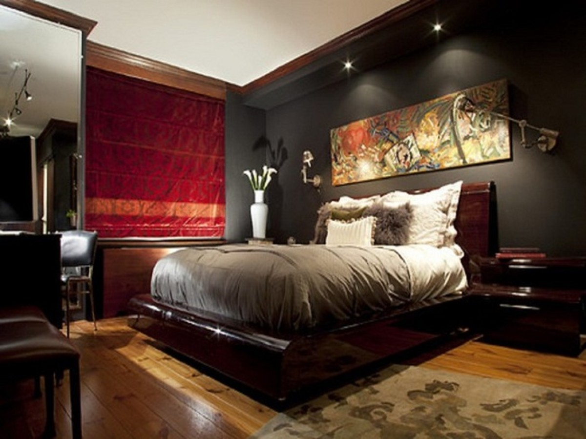 Traditional style bedrooms are stylish, rich, and elegant and are for the man who desires a plush and opulent look in his bedroom. The style provides the user with a sophisticated feel, without clutter or over-furnishing.