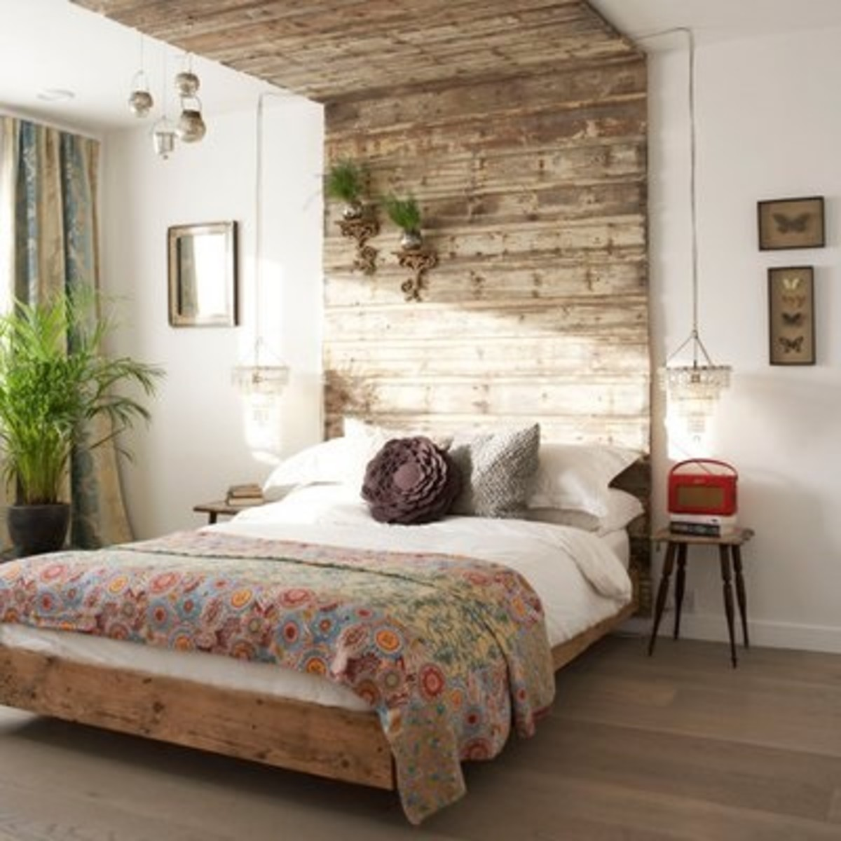 Minimalist style with a rustic touch. Uncluttered, simple, and stylish for the bachelor who loves the simple life.