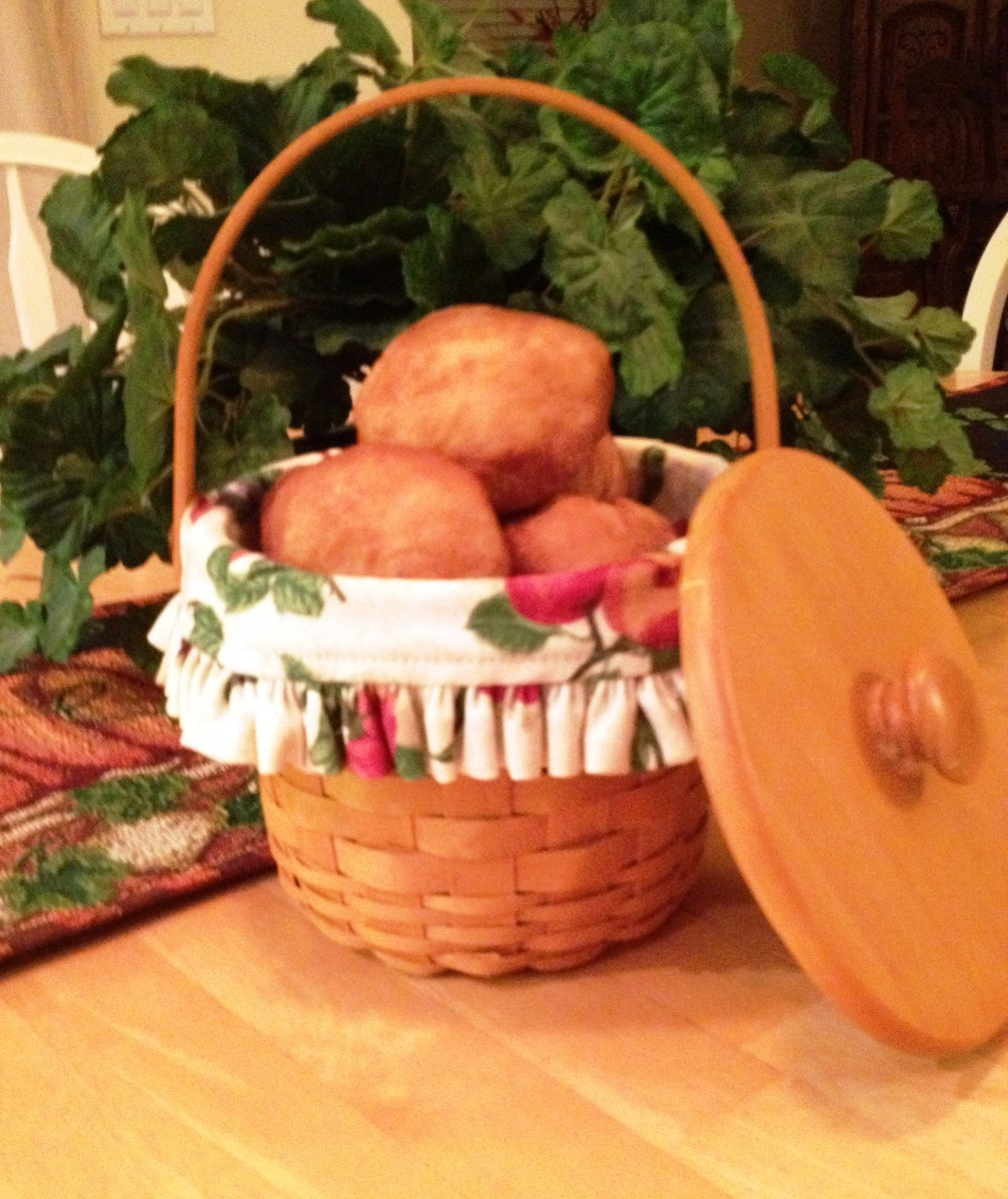 "Nothing says ""welcome"" like a basket of fresh, Nashville House Fried biscuits!"