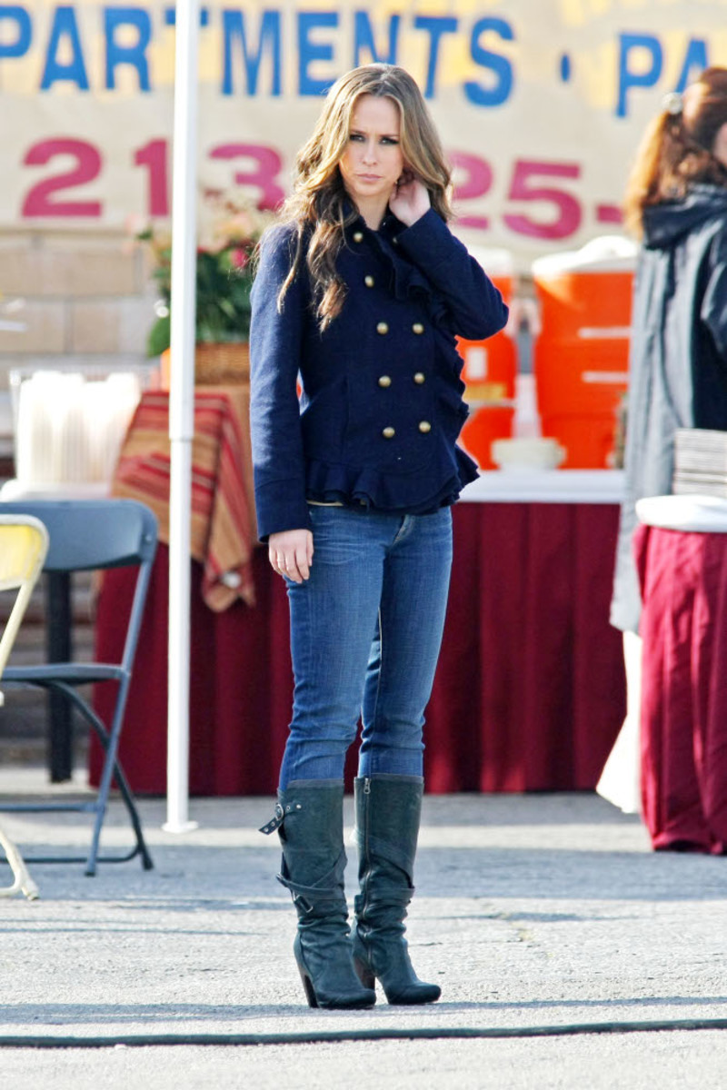 Jennifer Love Hewitt wearing a really cool fitted jacket