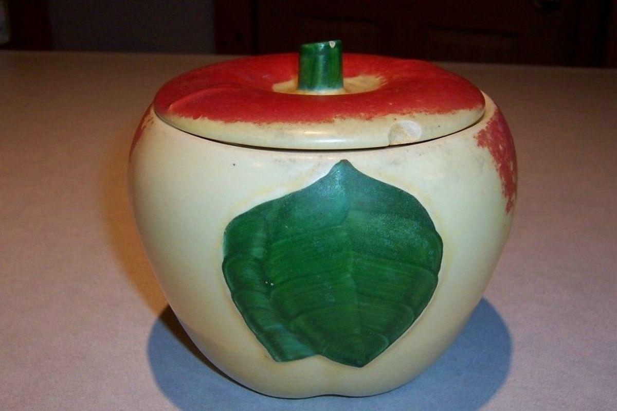 vintage-red-apple-cookie-jars
