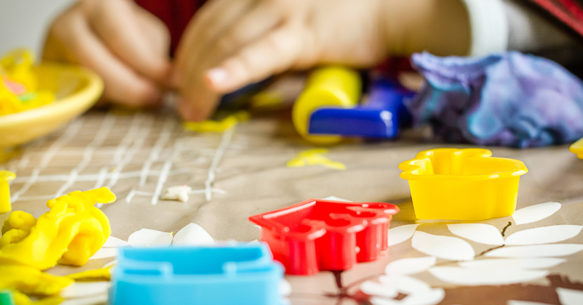 how-to-make-play-dough-in-different-colors