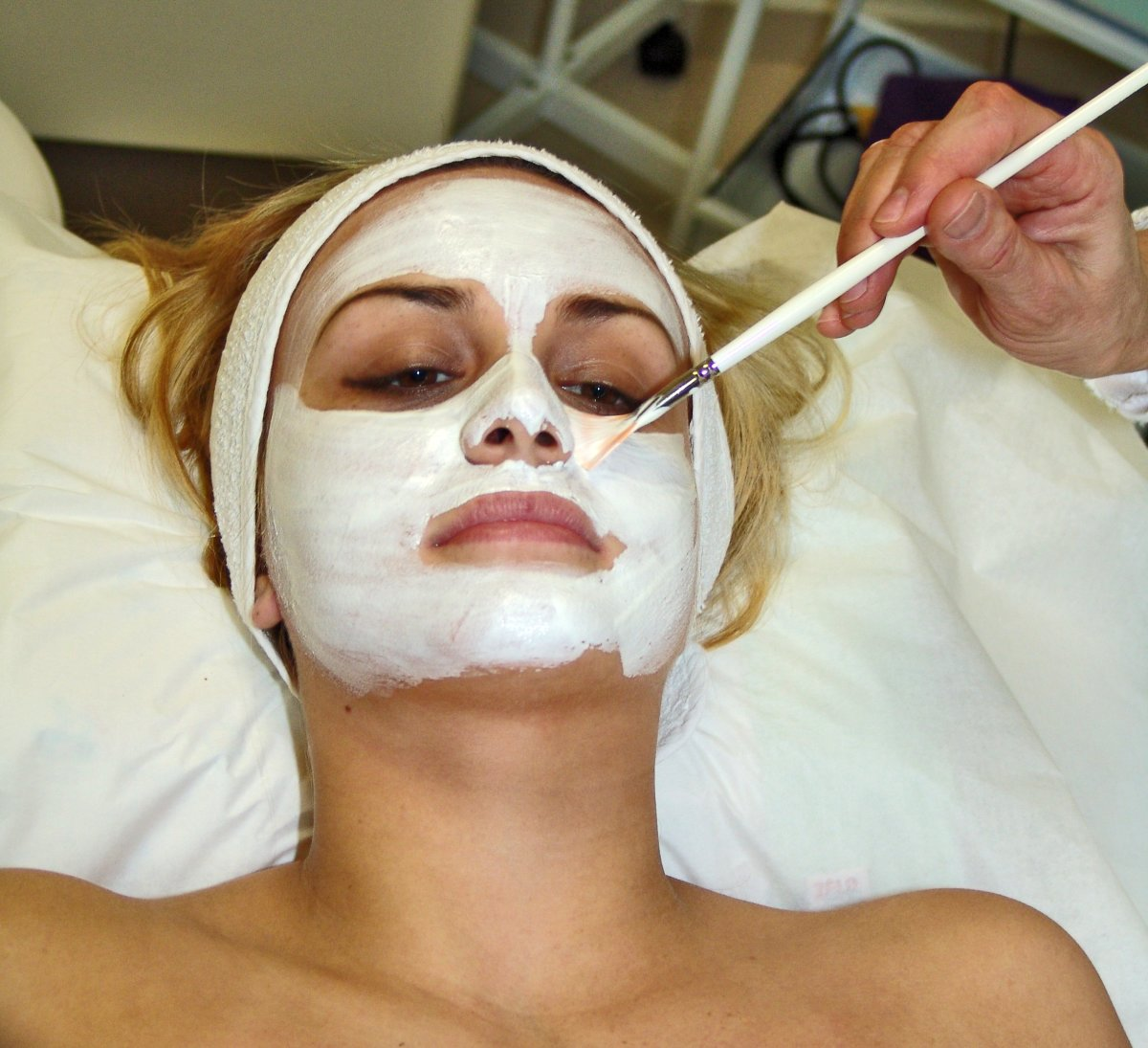 applying with a brush is quick, easy and less messy. exfoliating masks are best applied with the fingertips