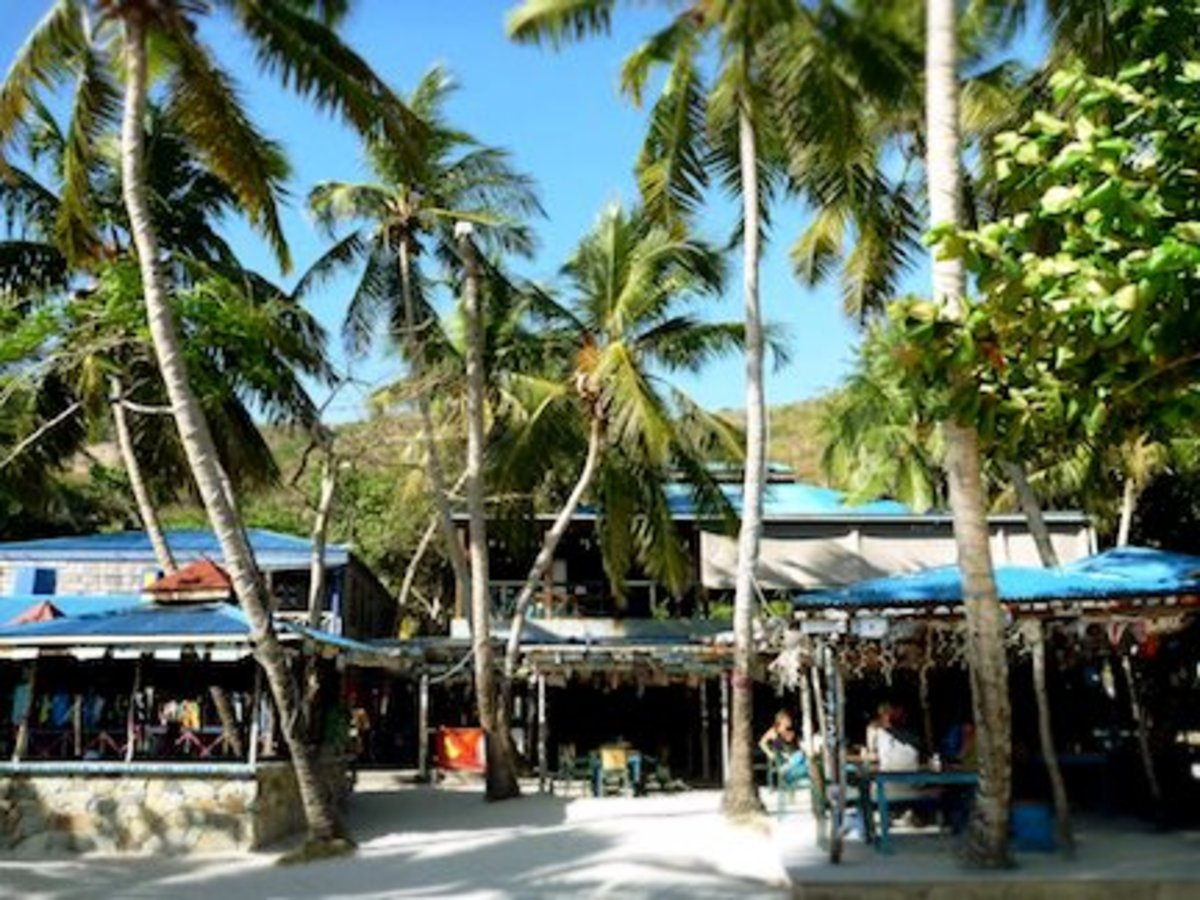 5 Best BVI Beach Bars by Boat from St. John