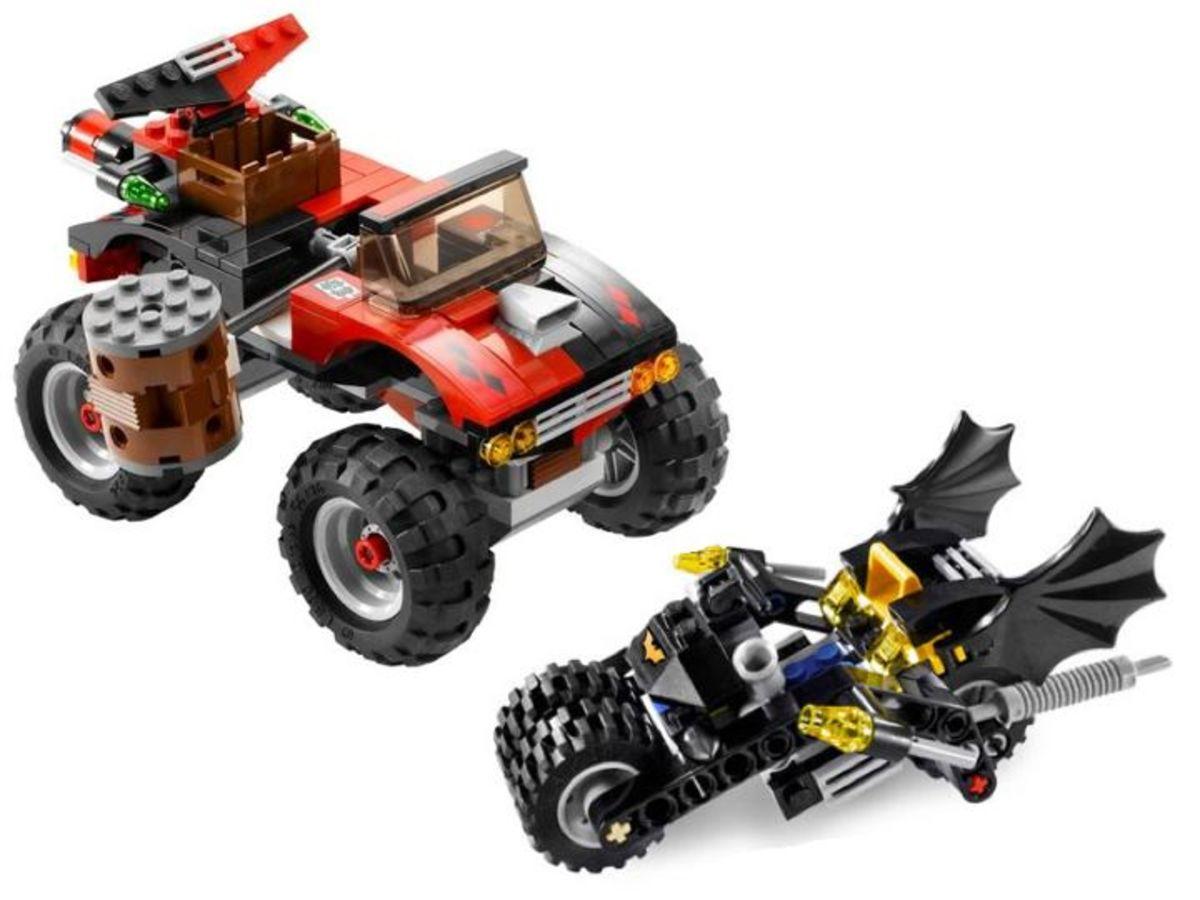 LEGO Batman The Batcycle: Harley Quinn's Hammer Truck 7886 Assembled