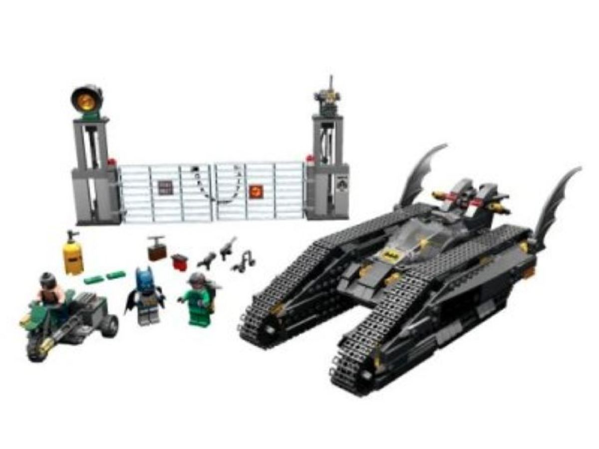 LEGO Batman The Bat-Tank The Riddler And Bane's Hideout 7787 Assembled