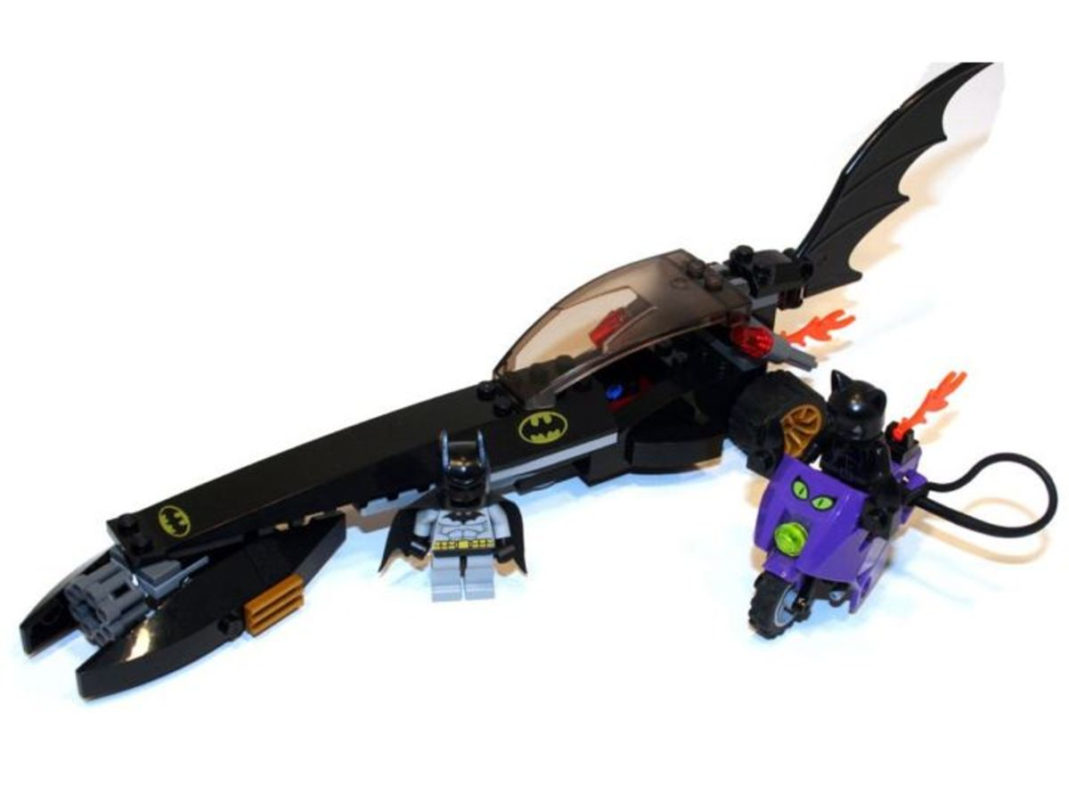 LEGO Batman Dragster Catwoman Pursuit 7779 Assembled